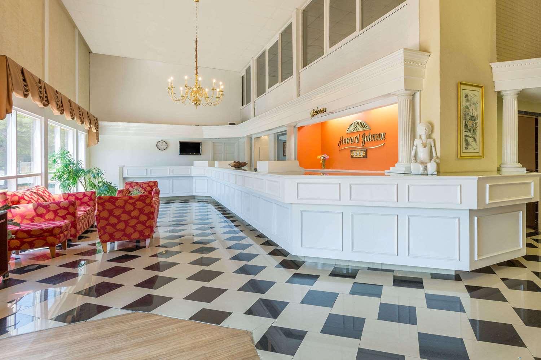 Lobby - Howard Johnson Inn Richmond Road Williamsburg