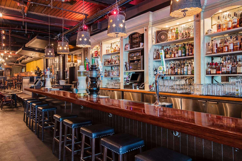 Bar - Ramada Inn & Suites Downtown Vancouver