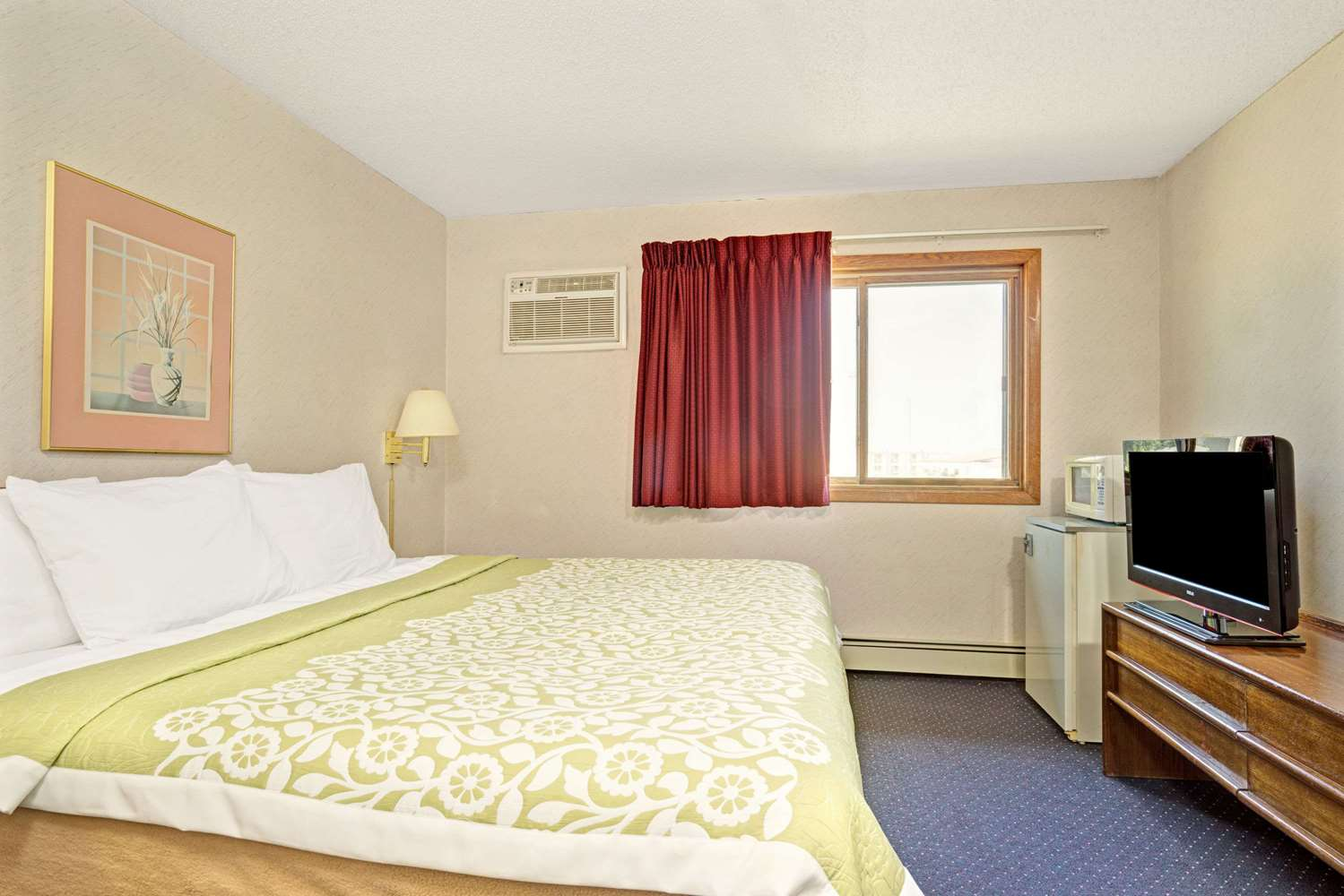 Room - Days Inn Monticello