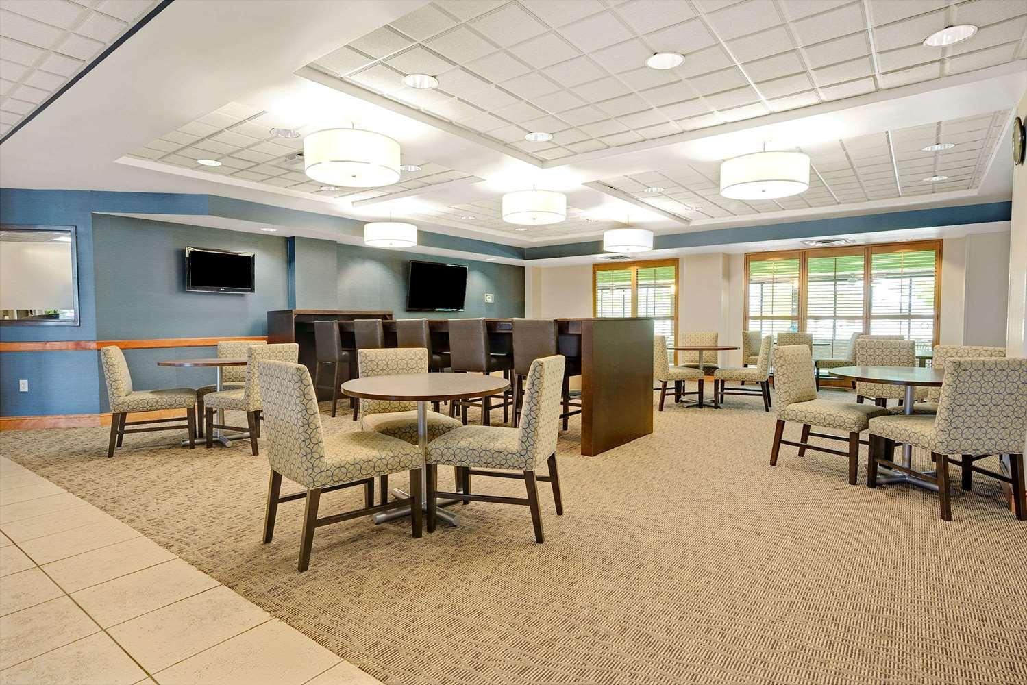 Lobby - Wingate by Wyndham Hotel Fargo