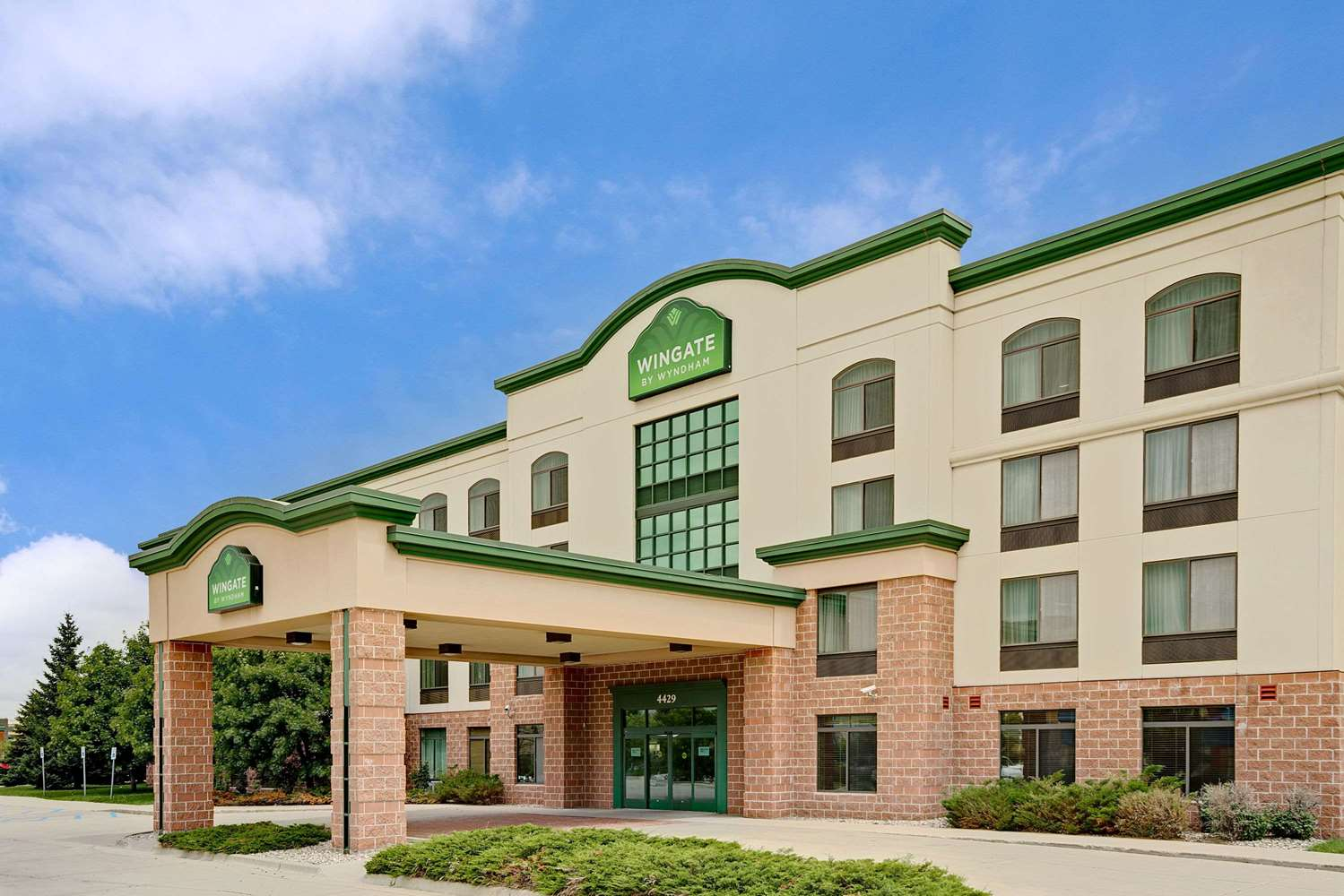 Exterior view - Wingate by Wyndham Hotel Fargo