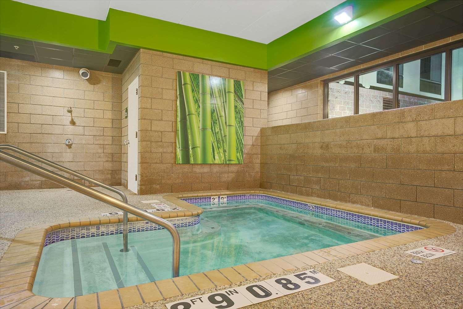 Pool - Wingate by Wyndham Hotel Fargo