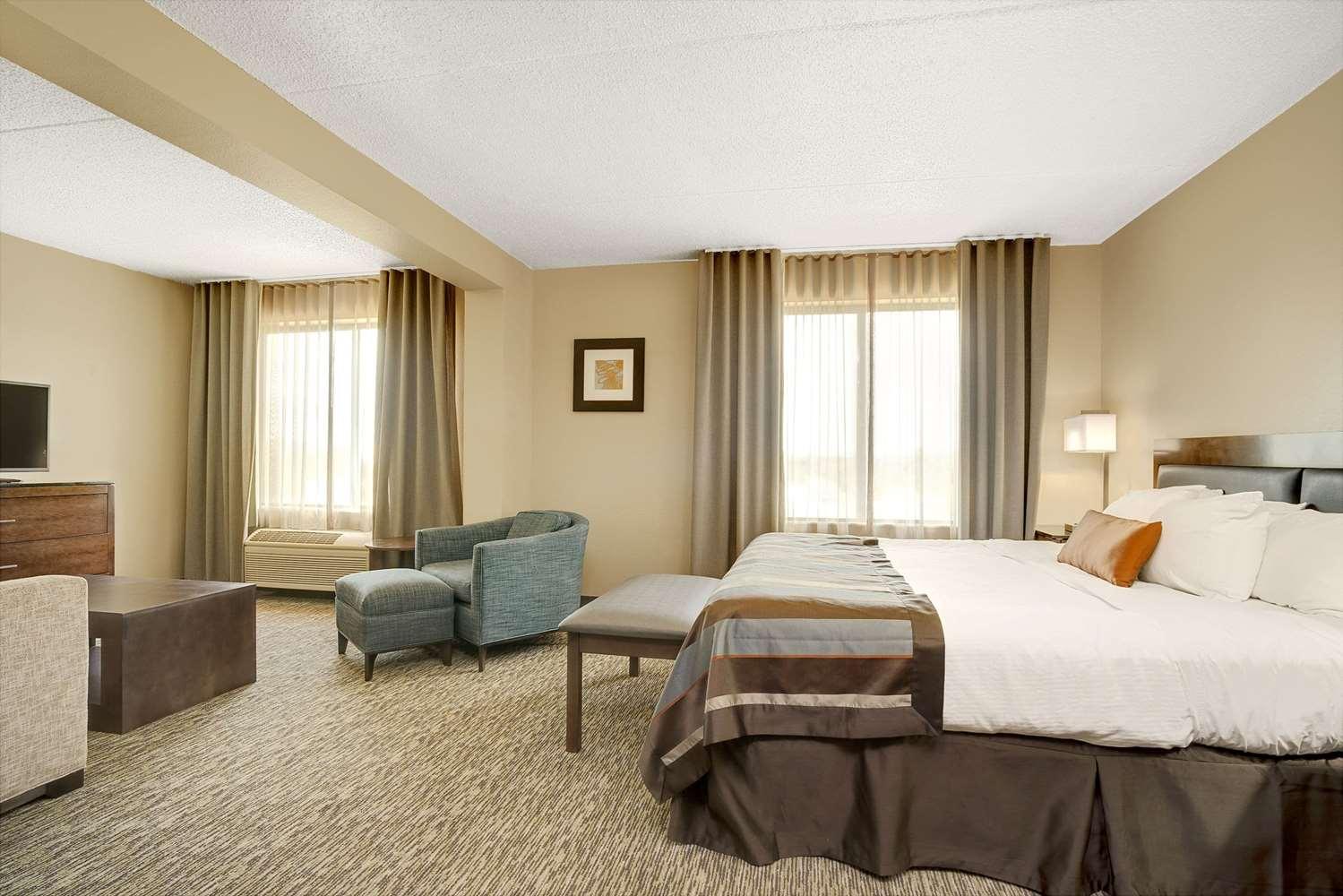 Suite - Wingate by Wyndham Hotel Fargo