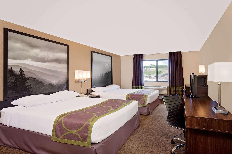 Room - Super 8 Hotel Lebanon
