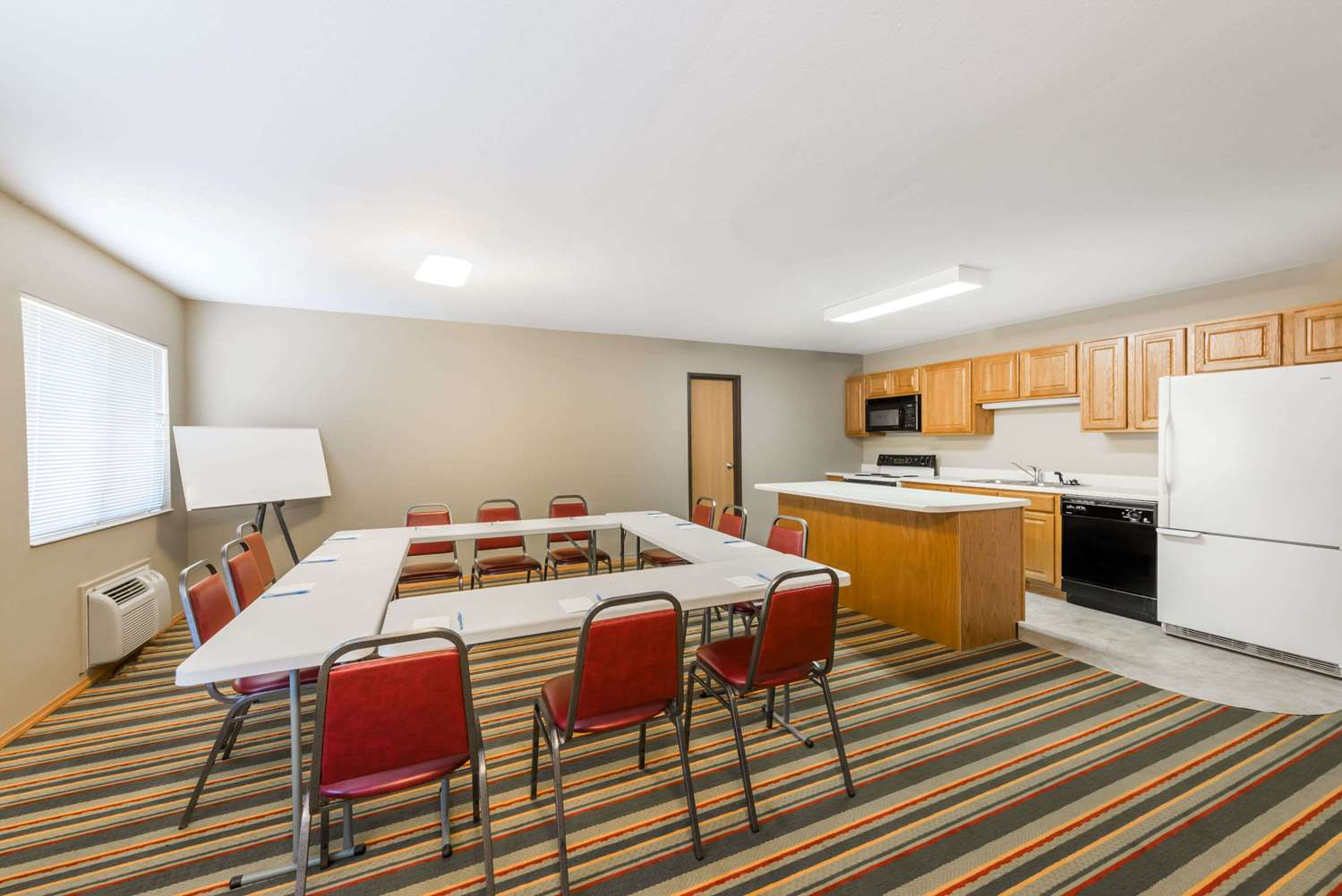 Meeting Facilities - Super 8 Hotel Chanute