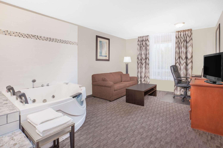 Suite - Super 8 Hotel Athabasca