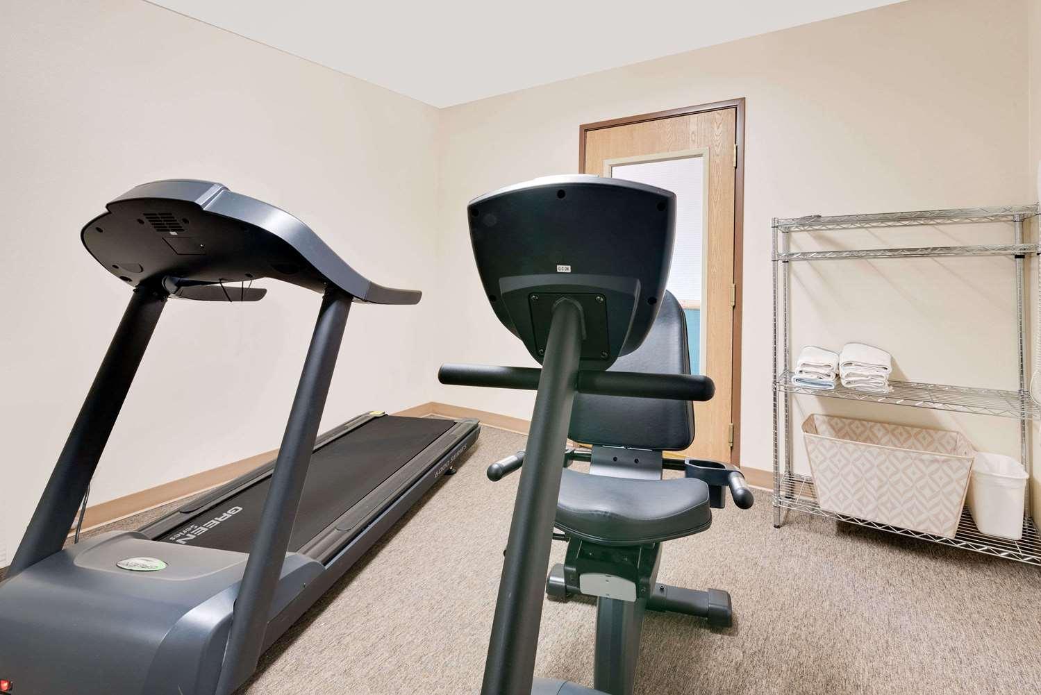 Fitness/ Exercise Room - Ramada Inn Black Hawk