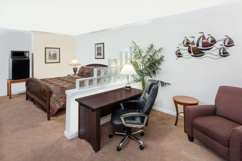 Suite - Travelodge Shreveport