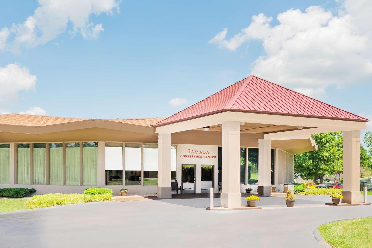 Exterior view - Ramada Inn & Conference Center Lexington