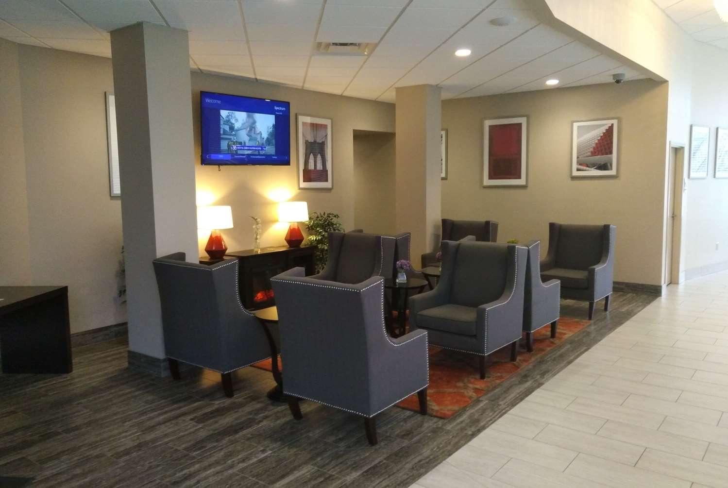 Lobby - Ramada Inn & Conference Center Lexington