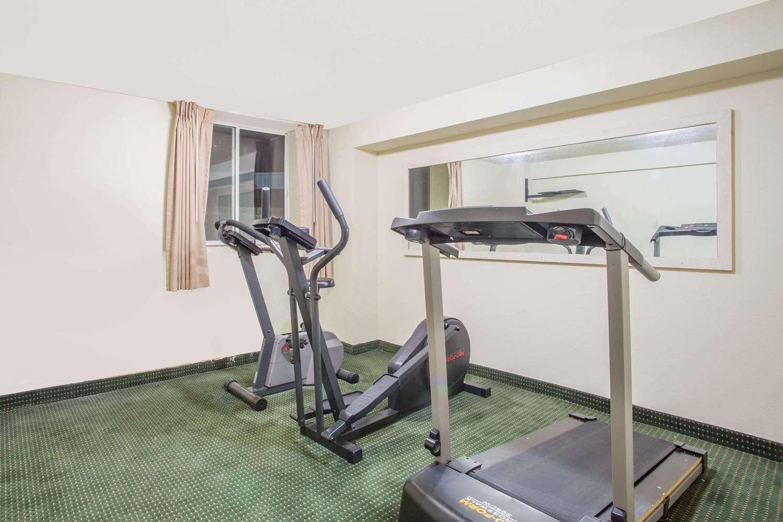 Fitness/ Exercise Room - Days Inn Custer