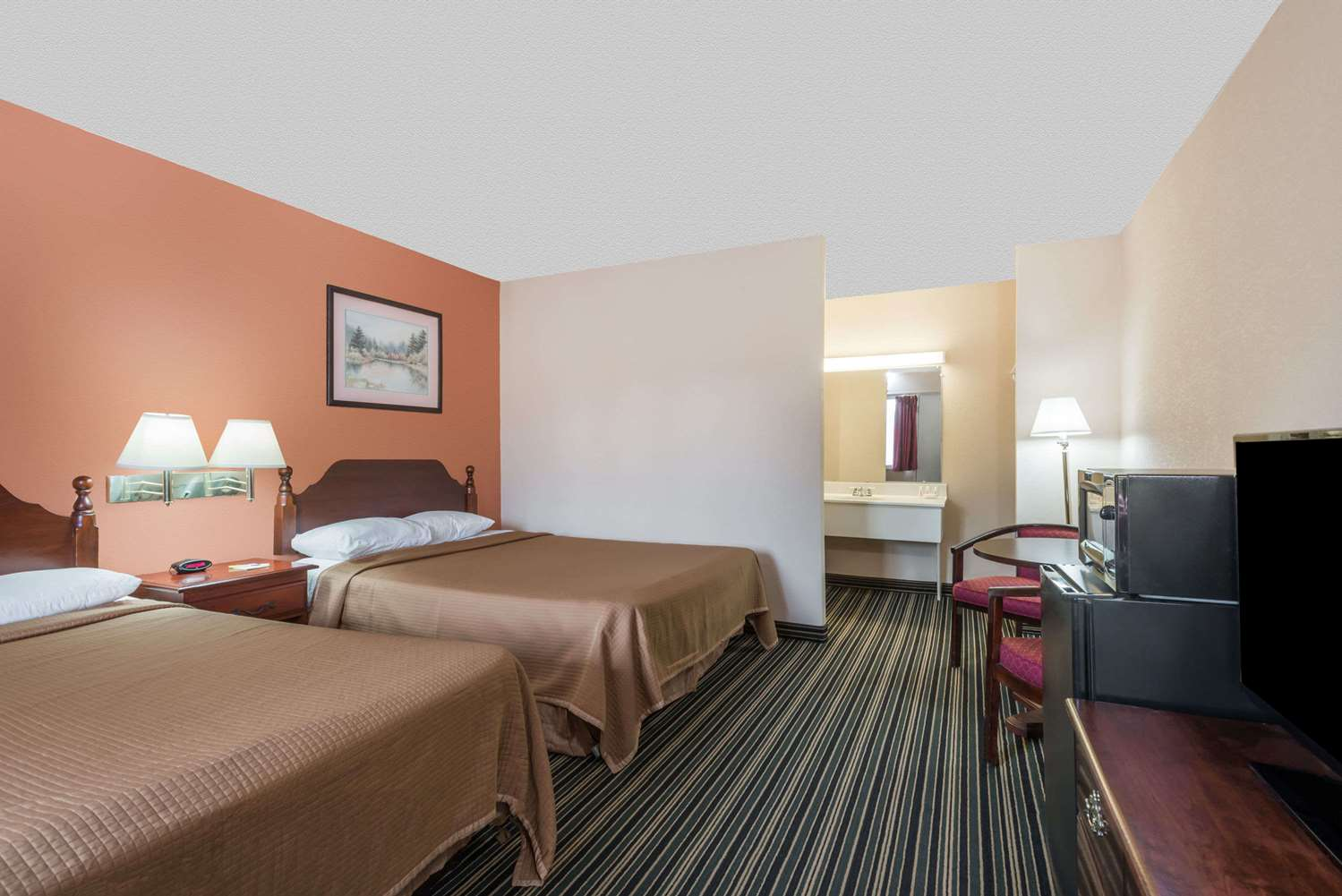 Room - Days Inn Lenox