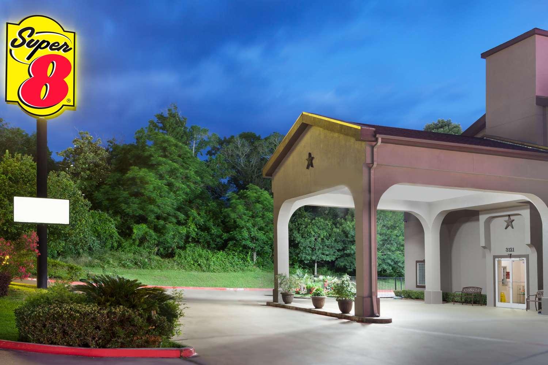 Exterior view - Super 8 Hotel Huntsville