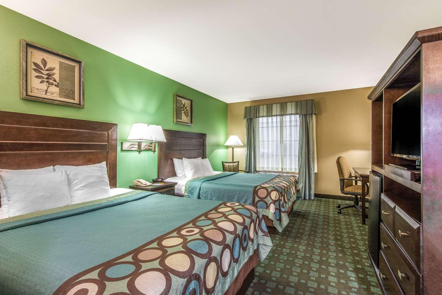 Room - Super 8 Hotel Lake Charles