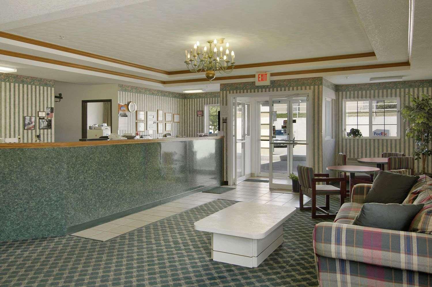 Lobby - Super 8 Hotel De Soto