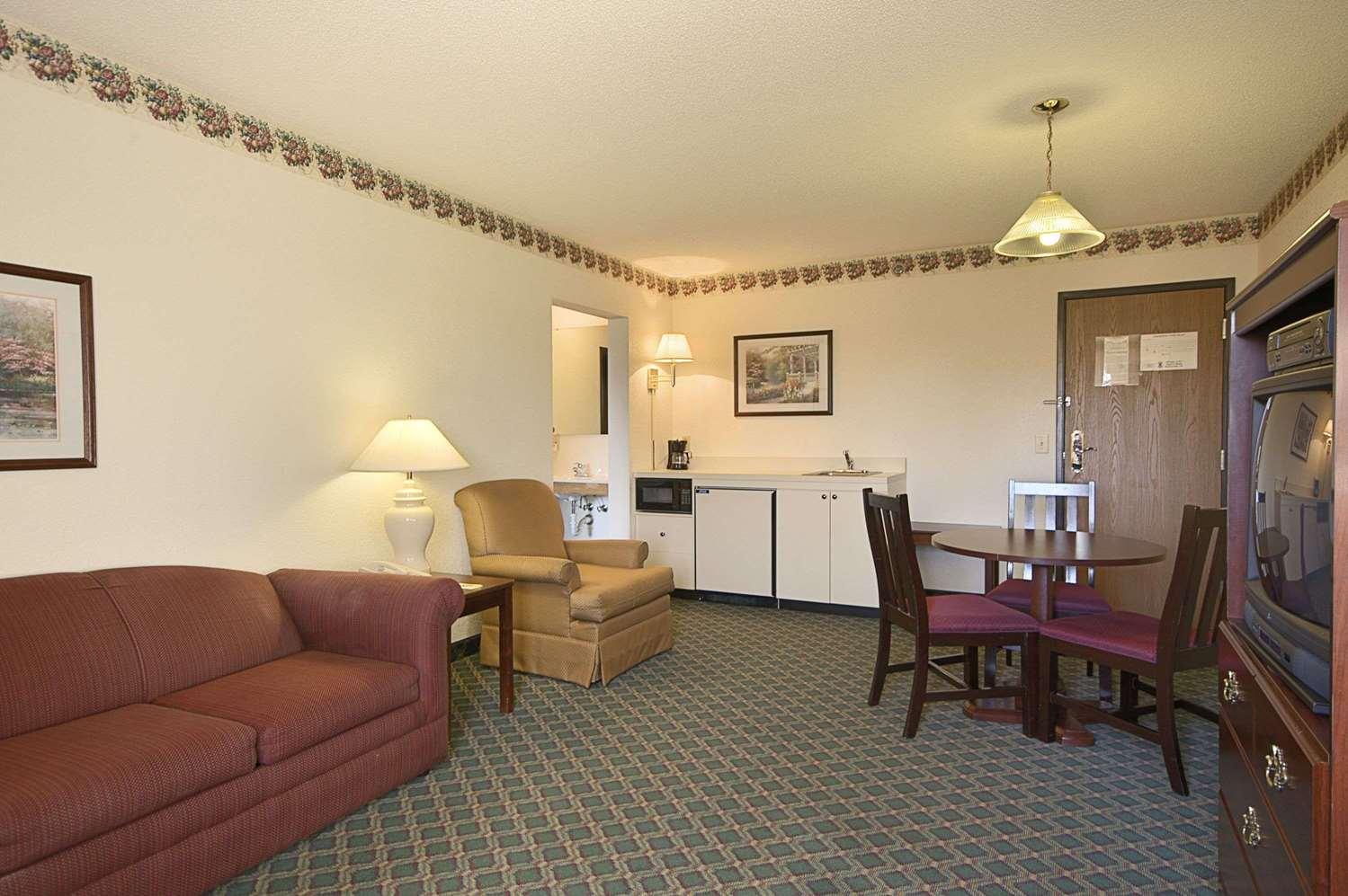 Suite - Travelodge Hudsonville
