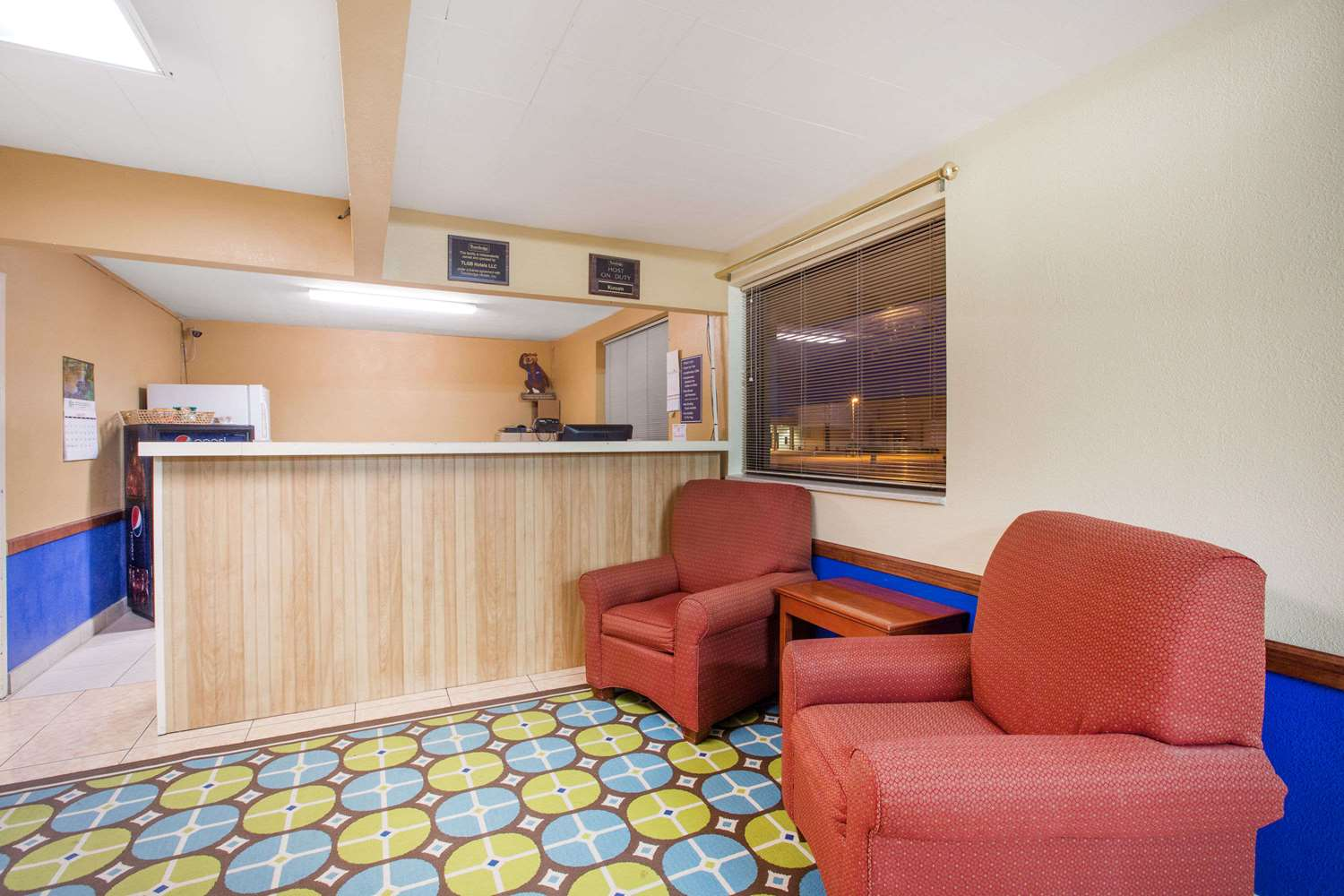 Lobby - Travelodge Great Bend