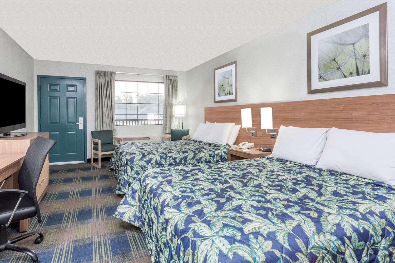 Room - Days Inn Athens