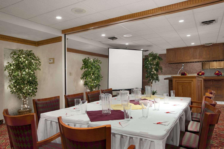 Meeting Facilities - Ramada Inn & Suites Saginaw
