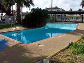 Pool - Knights Inn by the Beach Corpus Christi