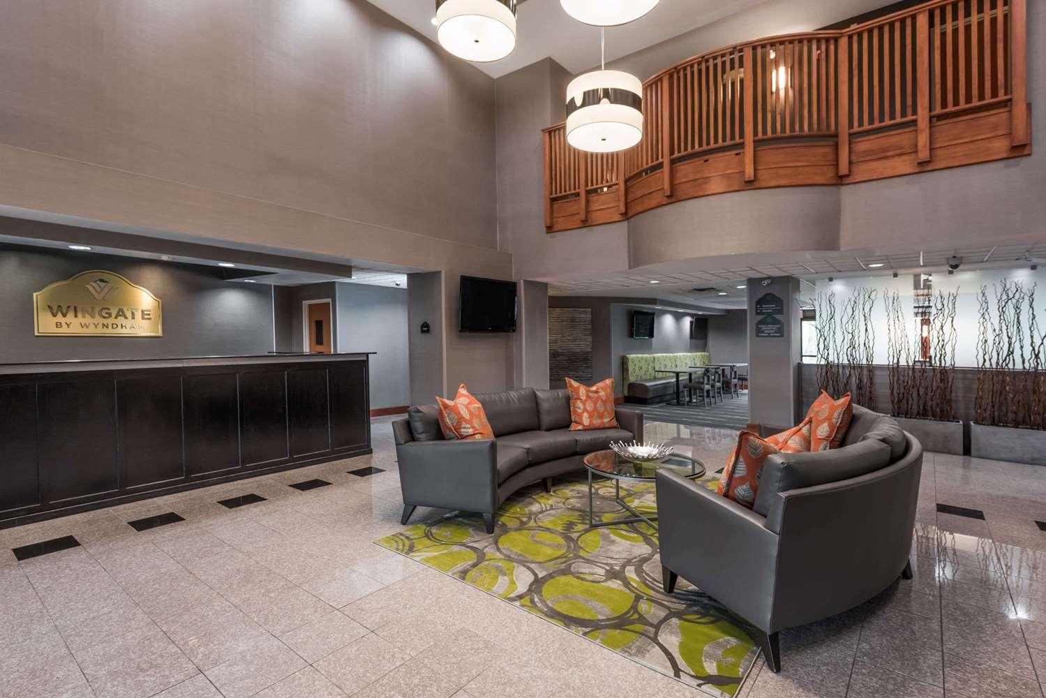 Lobby - Wingate by Wyndham Hotel Columbia