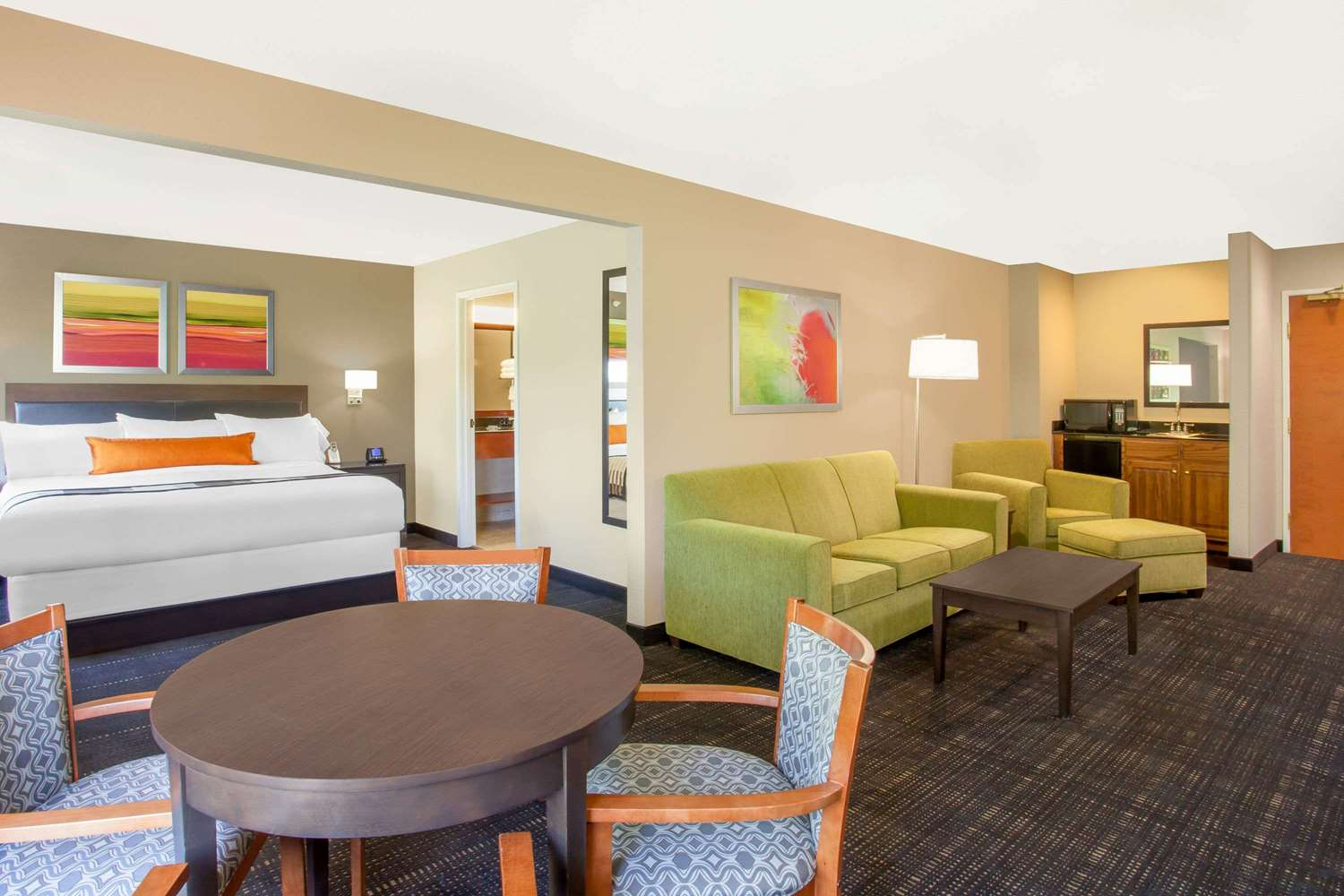 Suite - Wingate by Wyndham Hotel Columbia
