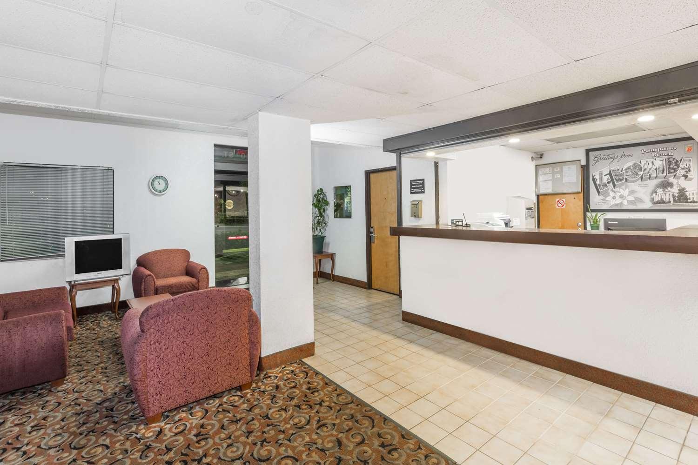 Lobby - Super 8 Hotel Pompano Beach