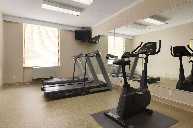 Fitness/ Exercise Room - Days Inn Nepean Ottawa