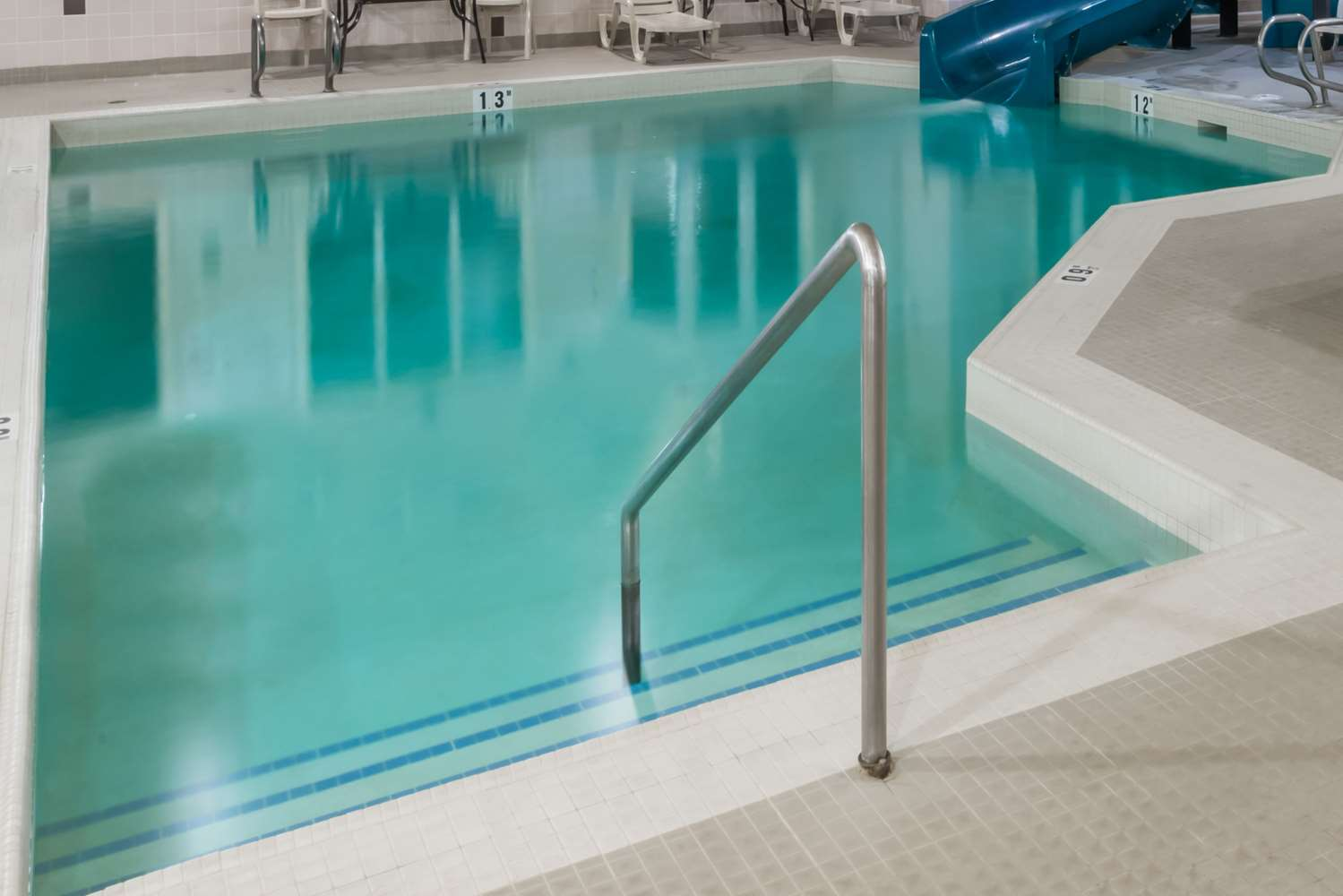 Pool - Super 8 Hotel Vermilion