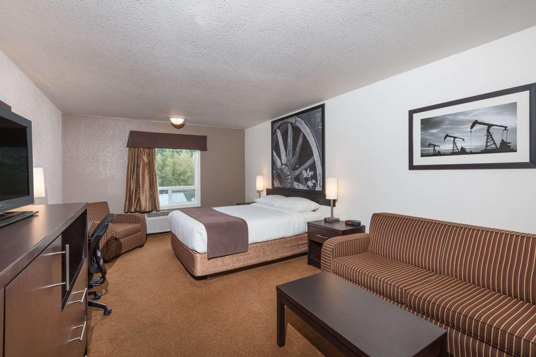 Room - Super 8 Hotel Vermilion