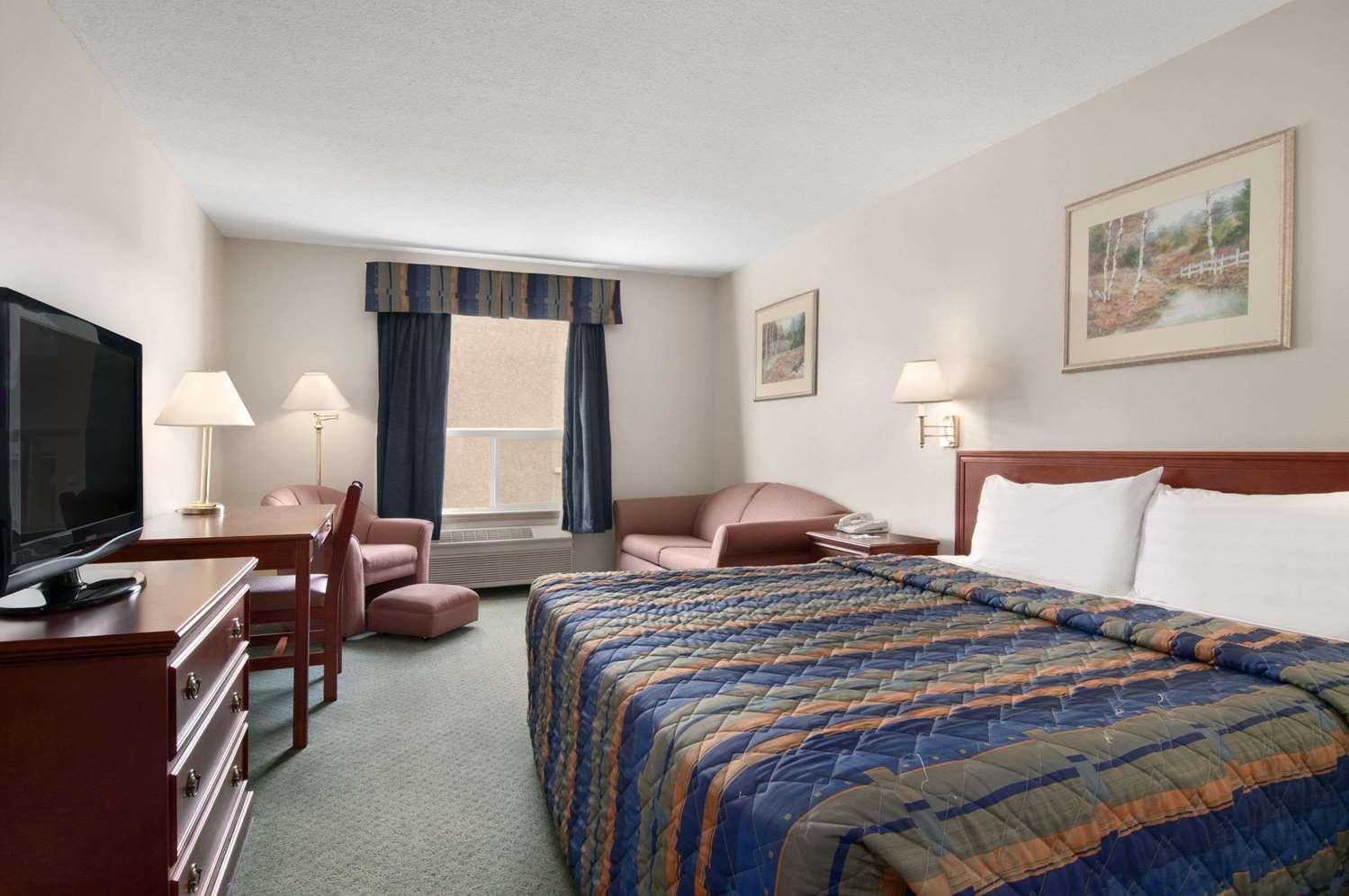 Room - Travelodge Stony Plain