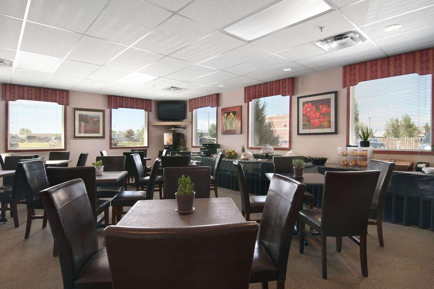 Restaurant - Travelodge Stony Plain