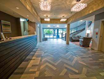 Lobby - Travelodge Parksville