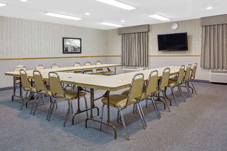 Meeting Facilities - Super 8 Hotel Portage la Prairie