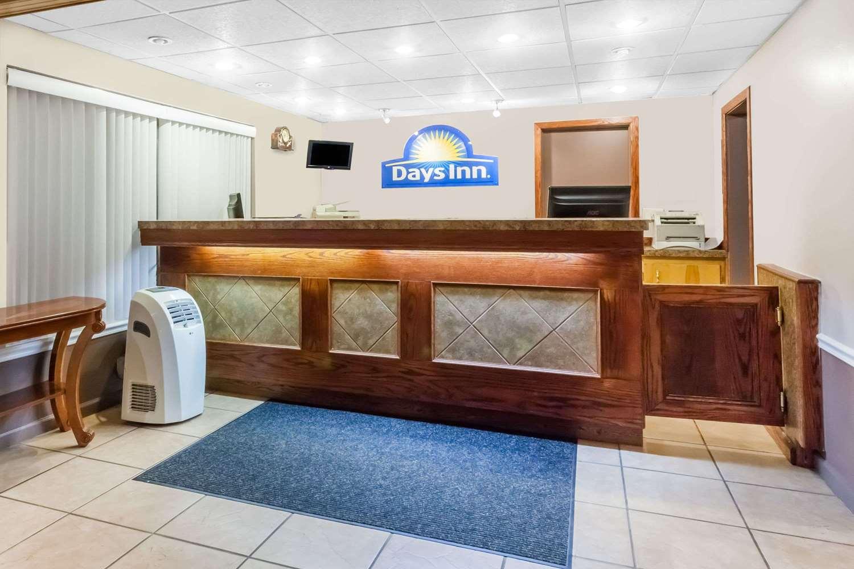 Lobby - Days Inn Tannersville