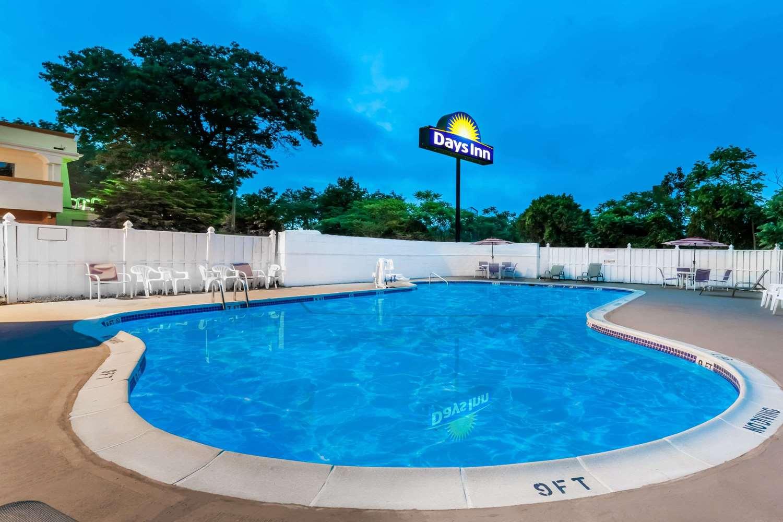 Pool - Days Inn Tannersville