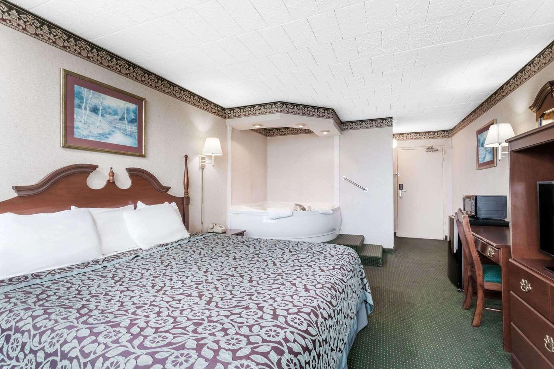 Suite - Days Inn Tannersville
