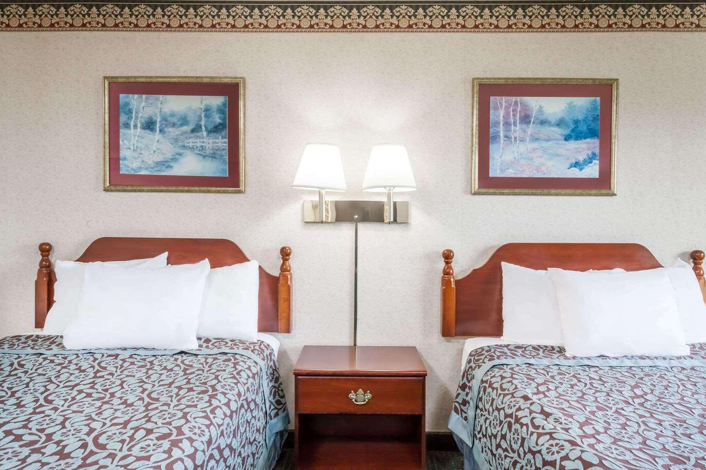 Room - Days Inn Tannersville