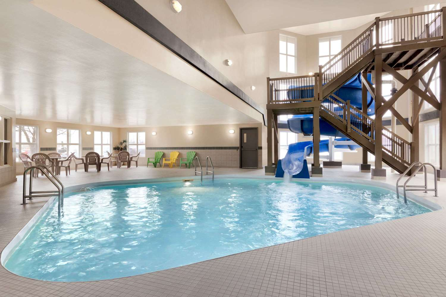 Pool - Days Inn Steinbach