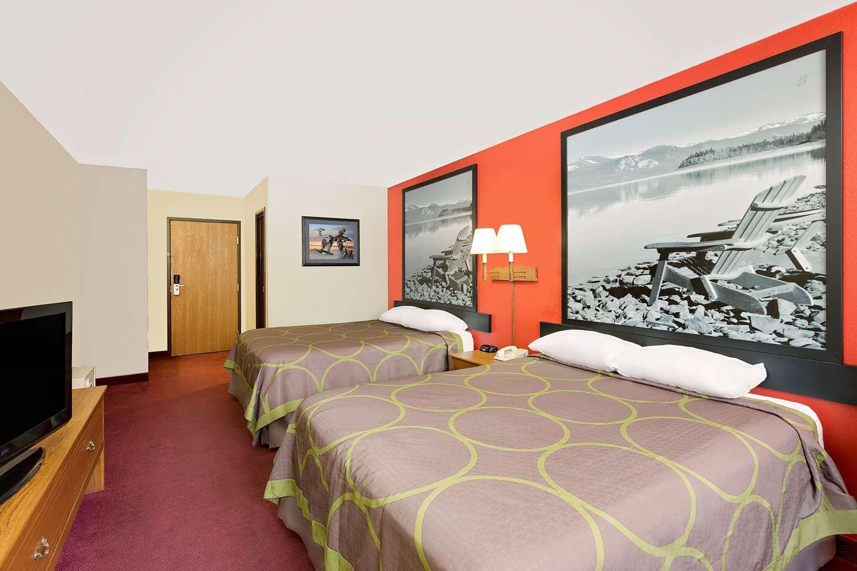 Room - Super 8 Hotel Mound City