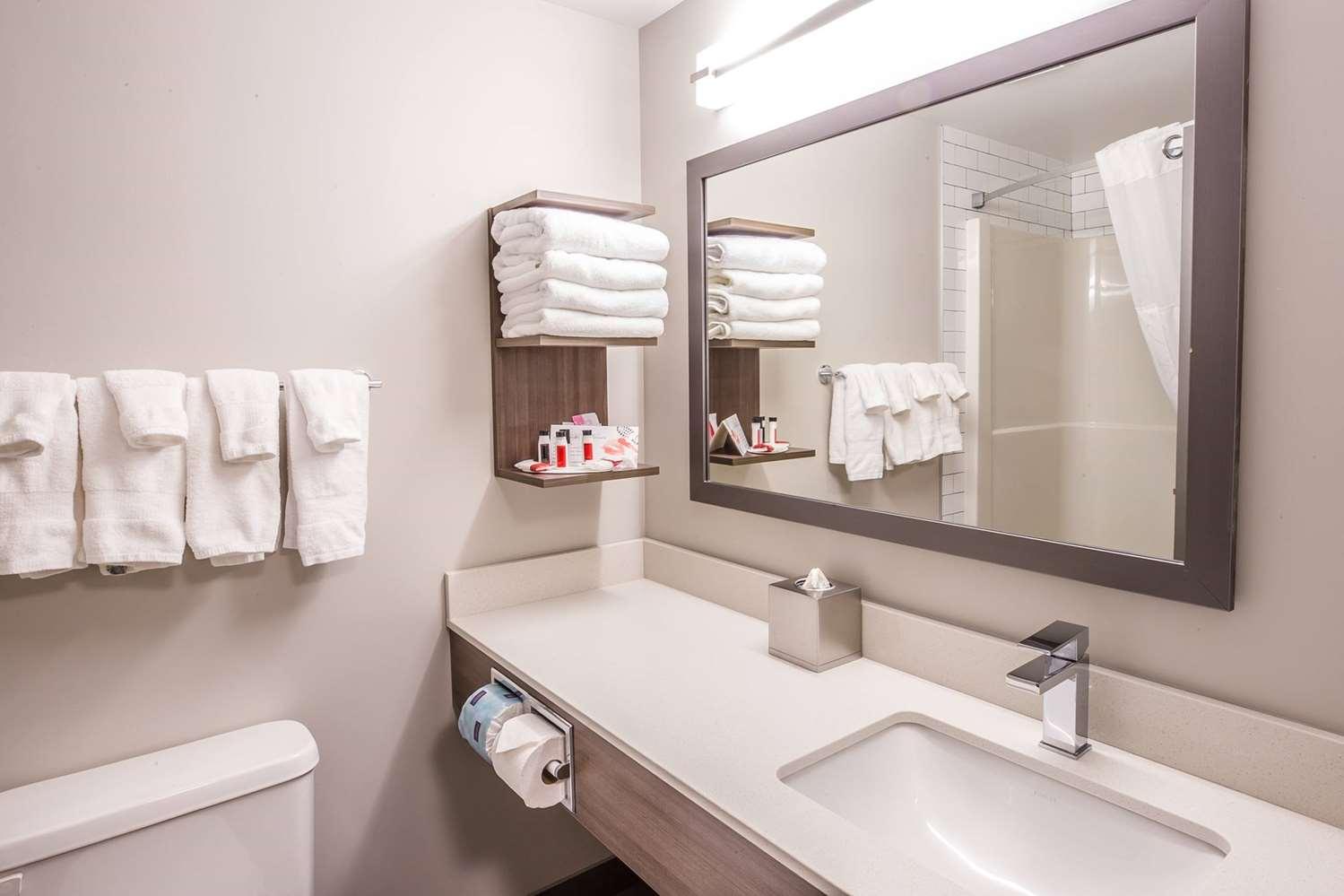 Room - Ramada Inn Cochrane