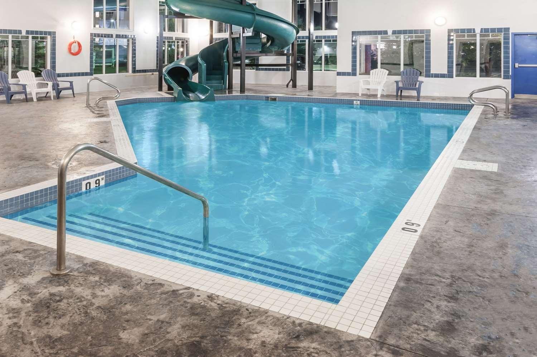 Pool - Super 8 Hotel High River