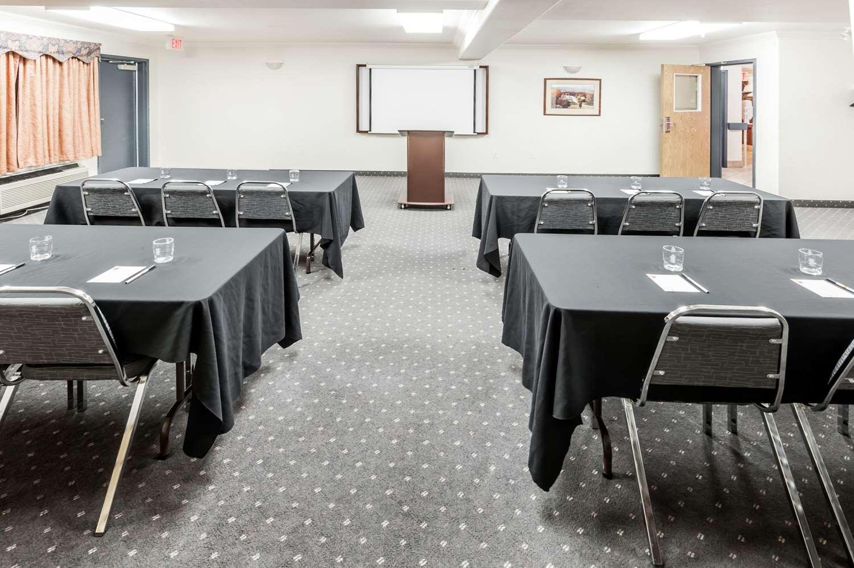 Meeting Facilities - Super 8 Hotel High River