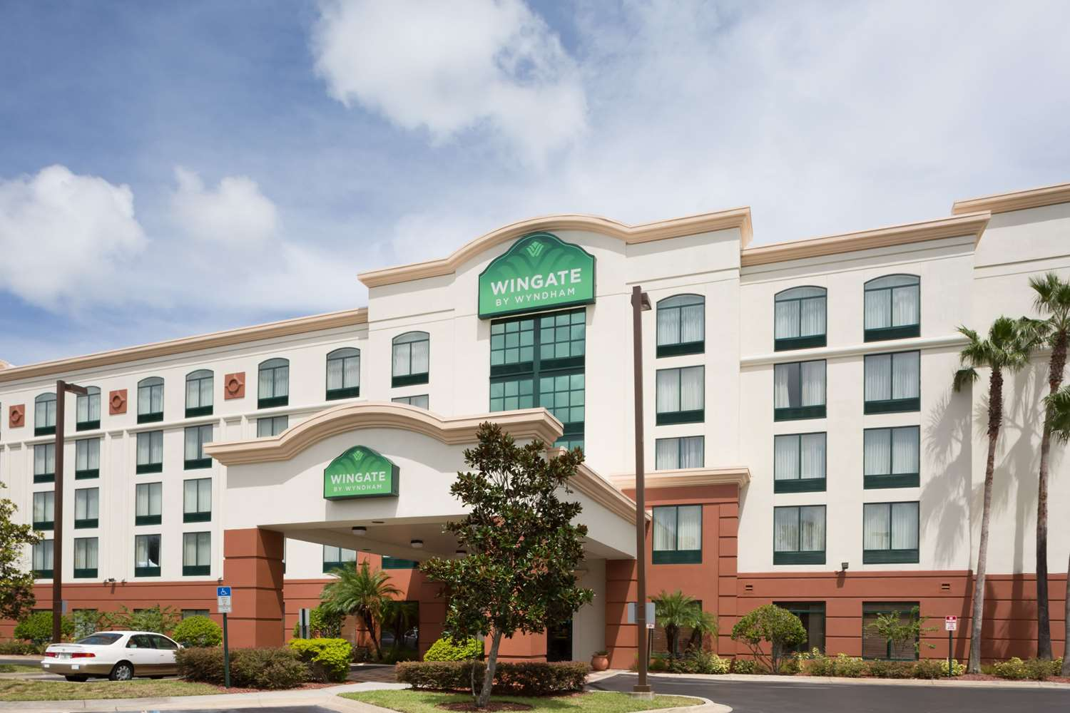 Exterior view - Wingate by Wyndham Hotel Airport Orlando