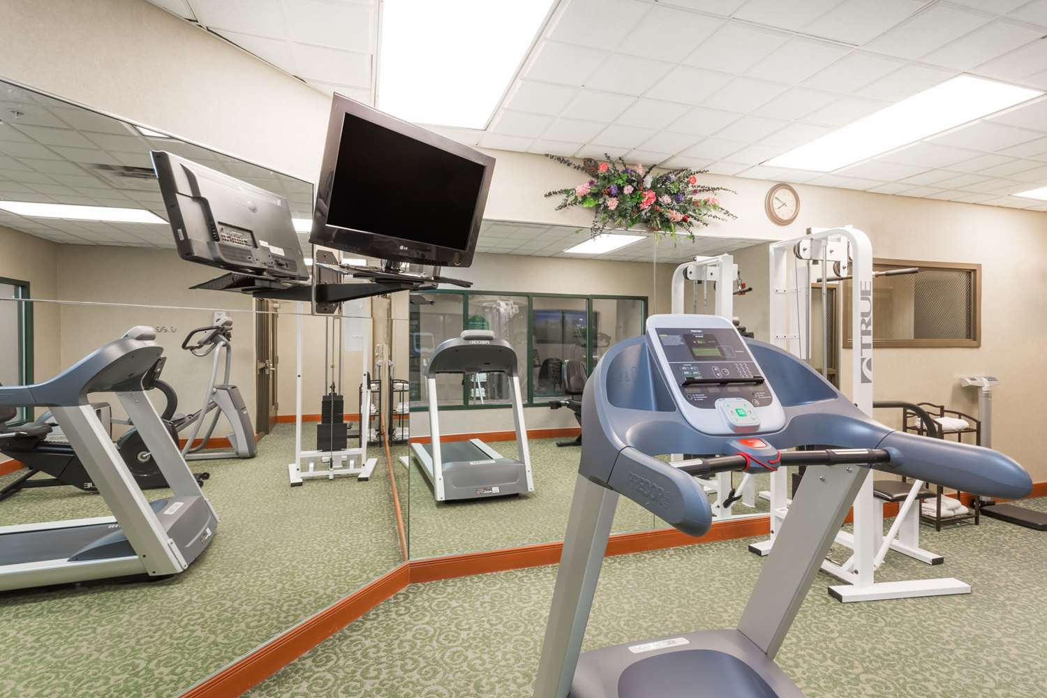 Fitness/ Exercise Room - Wingate by Wyndham Hotel Airport Orlando