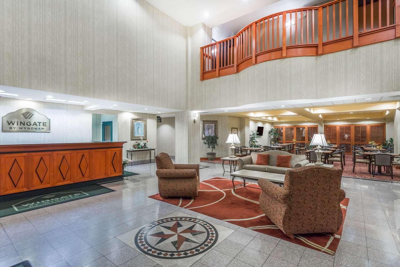 Lobby - Wingate by Wyndham Hotel Airport Orlando