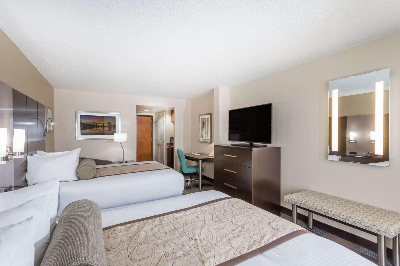 Room - Wingate by Wyndham Hotel Airport Orlando