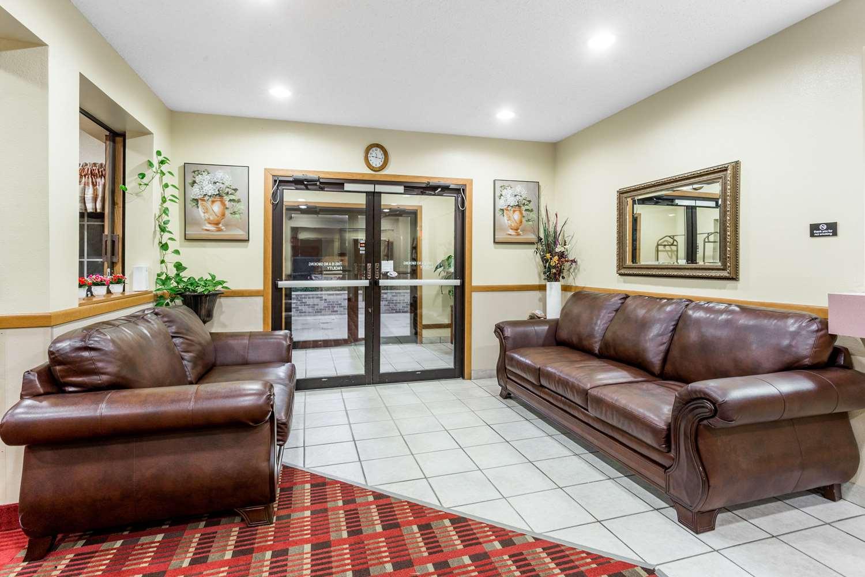 Lobby - Super 8 Hotel Osage