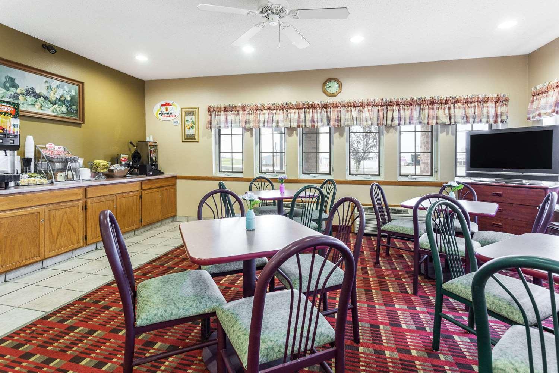 proam - Super 8 Hotel Osage