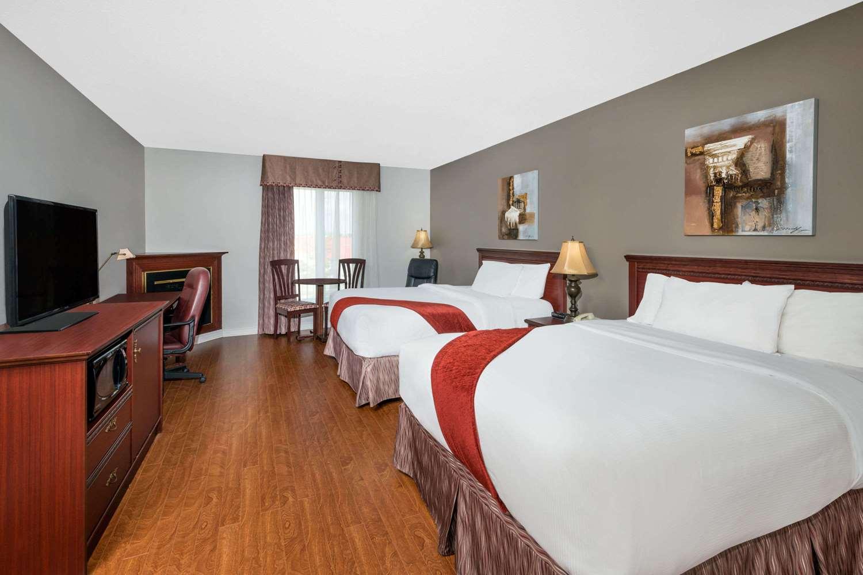 Pet Friendly Hotels Gatineau